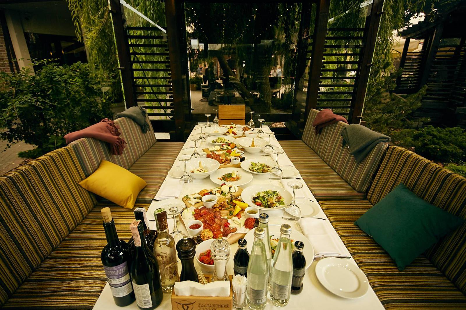 961334c38e2a7c ... люблять своїх відвідувачів та пропонують лише найкраще. «Відчуй Балкани  на смак» – саме так звучить гасло нового ресторану на околиці міста.